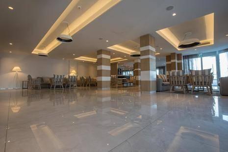 Evalena Beach Hotel Apts