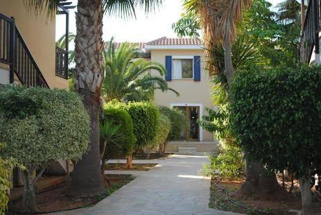 Narcissos Hotel