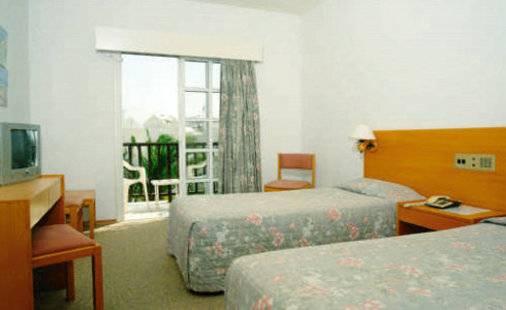 Anais Bay