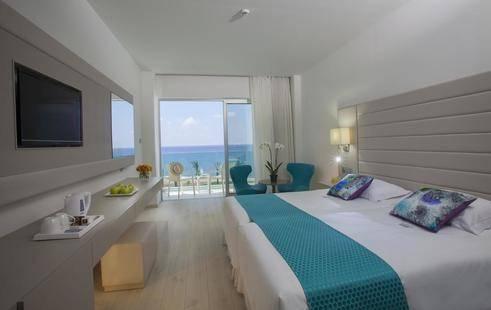 Fun&Sun King Evelthon Beach Hotel & Resort