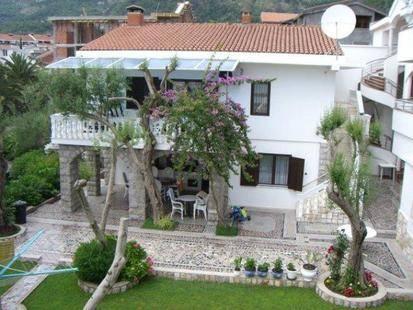 Villa Nikolaselena