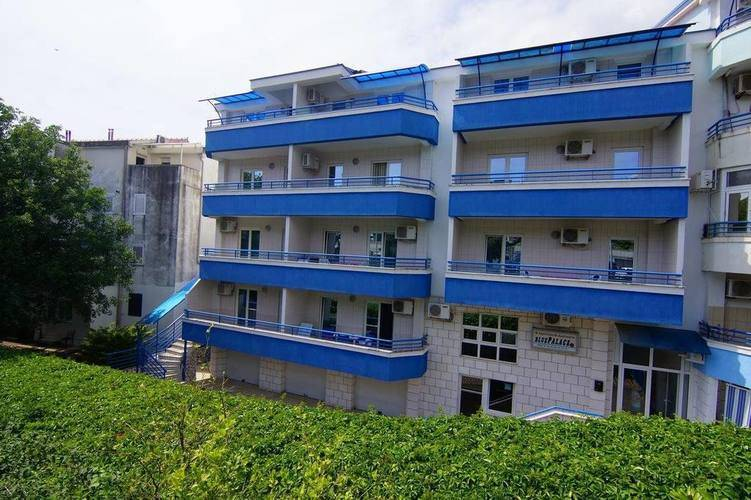 Apartments Blue Palace
