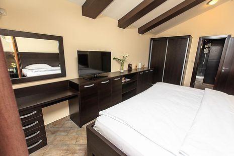 Lucic Hotel