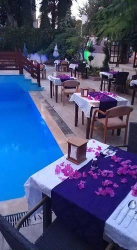 Agon Hotel