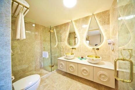 Sura Design Hotel & Suite