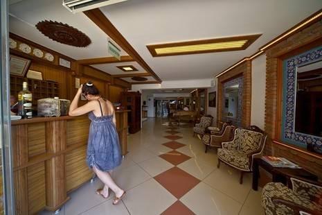 Azmakhan Hotel