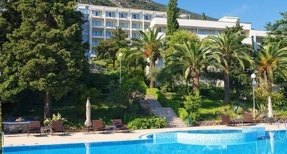 Club Hotel Riviera, Kometa