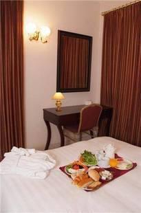 Al Sharq Hotel