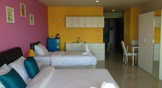 R Con Wong Amat Suite