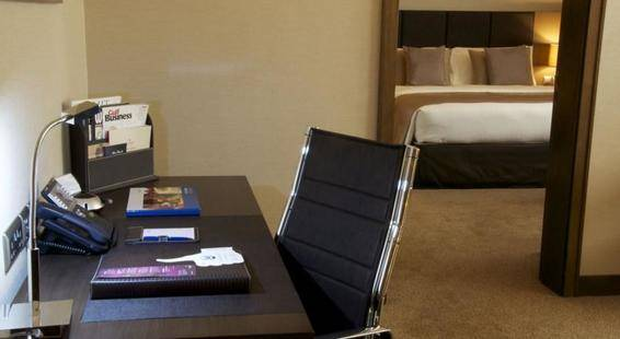 Ramada Downtown Abu Dhabi (Ex.Cristal Salam Hotel)