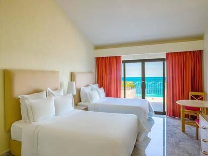 Fiesta Americana Villas Cancun Hotel