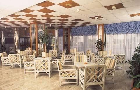 Tetyk Hotel Apts