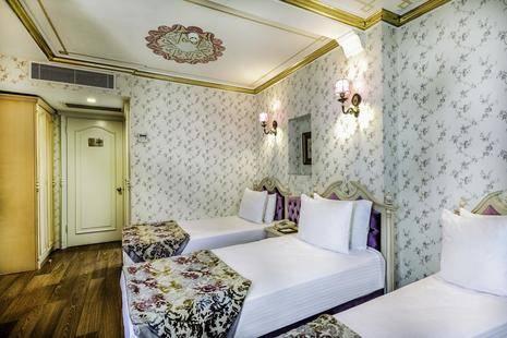 Amiral Palace Hotel