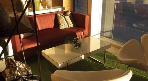 Metropolitan Suites