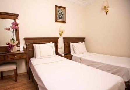 Golden Crown Hotel