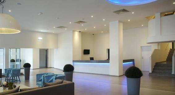 Melpo Antia Hotel & Suites