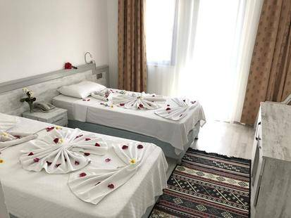 Aymes Hotel