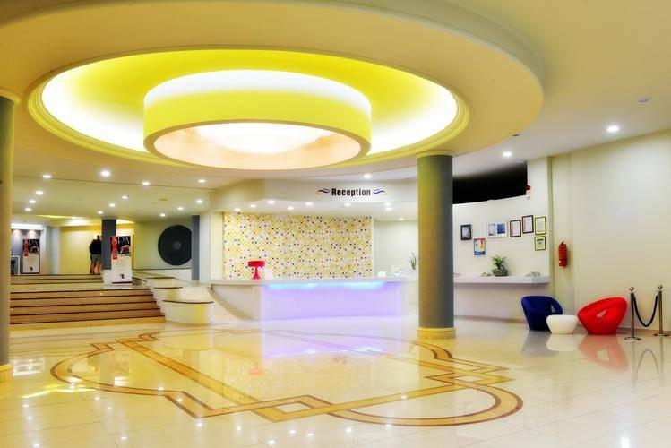 Cosmopolitan Hotel (Ex. Mareblue)