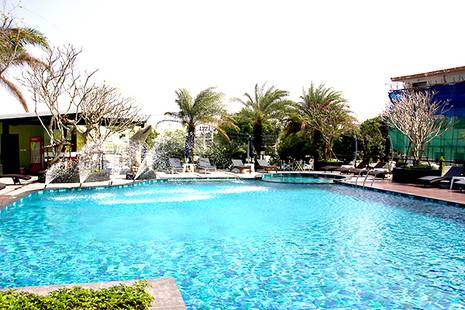 Lakkhana Poolside Resort