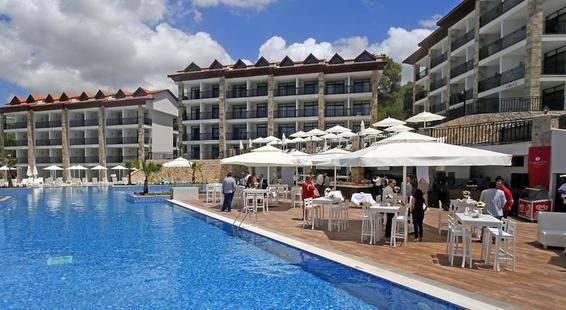 Ramada Resort By Wyndam Akbuk