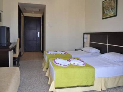 Imperial La Perla Hotel
