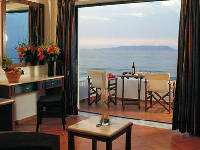 Knossos Beach Bungalows & Suites