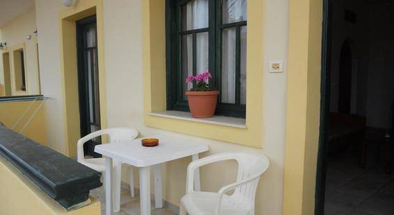 Aspri Petra Apartments