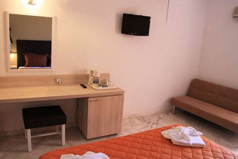 Elotia Hotel