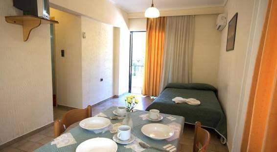 Poseidon Hotel & Apartments
