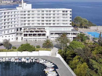 Lucy Beach Hotel