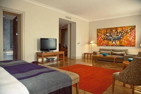 Tomtom Suites Hotel