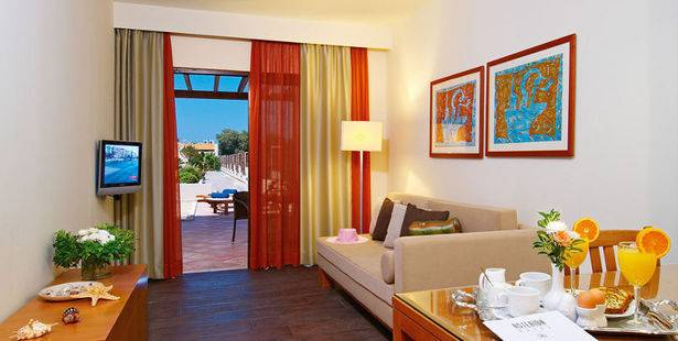 Asterion Beach & Suites