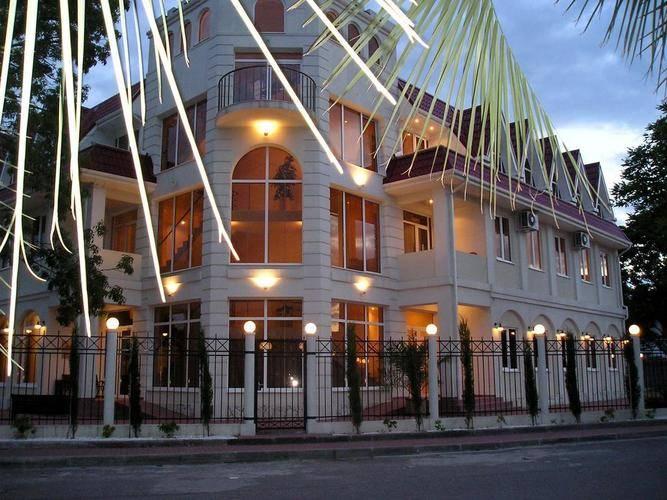 Отель Риф