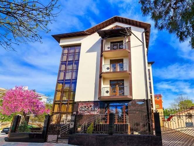Блэк Си Отель (Black Sea)