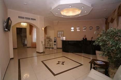 Отель Плаза
