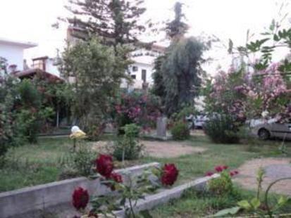 Thodorou Village