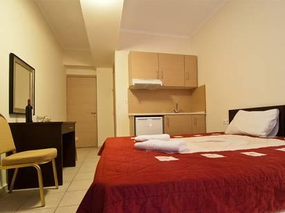 Yakinthos Hotel Apartments