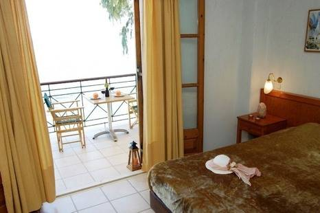 Grekis Apartments