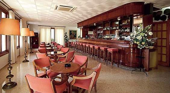 Gaya Hotel