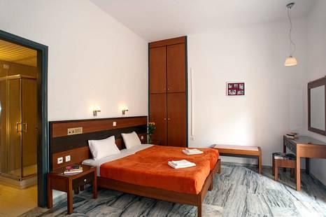 Dreamland Hotel Apts