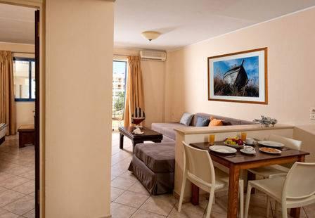 Manos Maria Hotel & Apartments