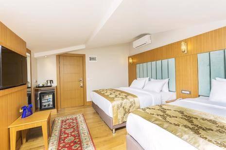Acra Hotel