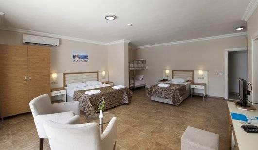 Risa Hotel