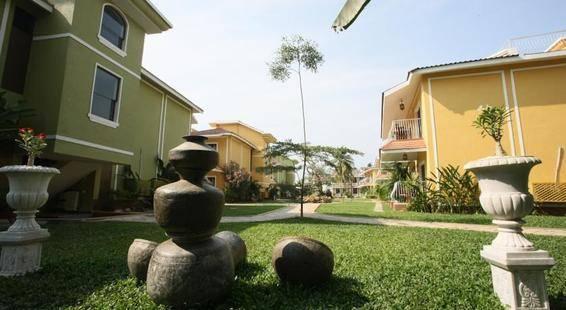Acacia Palms Resort