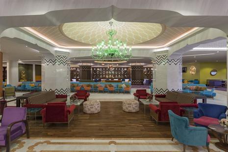 Royal Taj Mahal Hotel