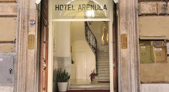 Arenula Hotel