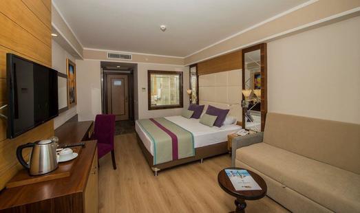 Dream World Aqua Resort & Spa