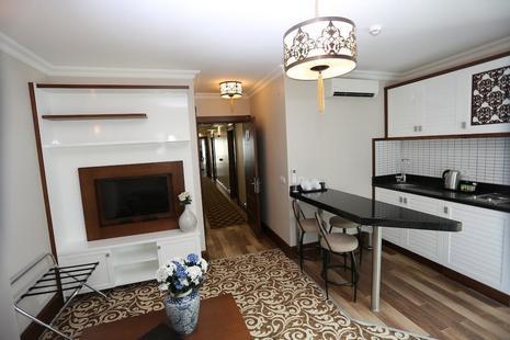 K Suites Hotel