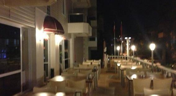 Club Seven Hotel