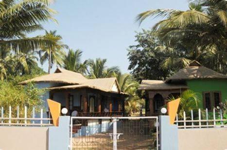 Cleos Agonda Resort